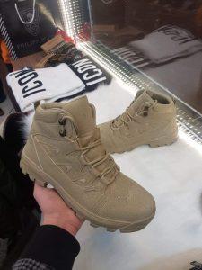 """الصورة: الحذاء """"التكتيكي"""""""