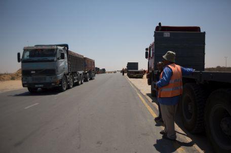 משאית נושאת סחורה לרצועת עזה. צילום: אימאן מוחמד