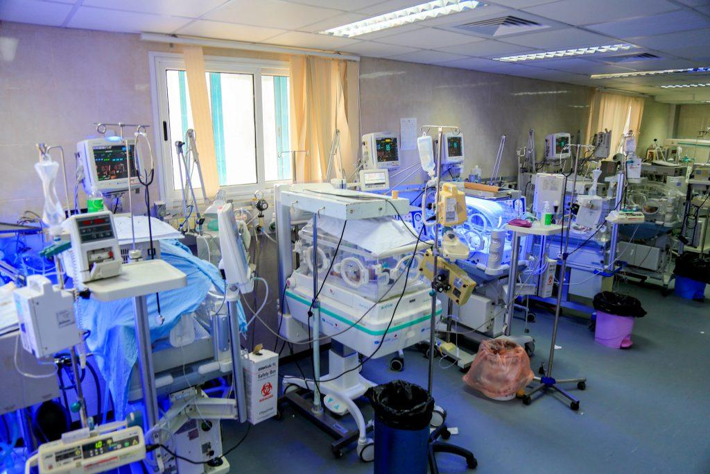 מחלקת טיפול נמרץ פגים בבית חולים בעזה. צילום: גישה