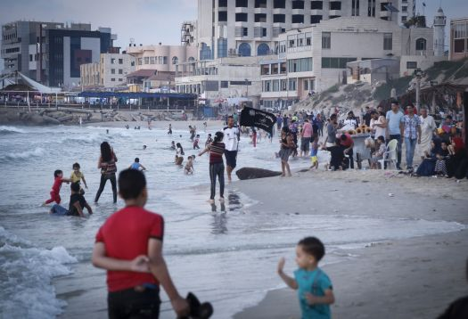 sewage overflowing in gaza contaminating the sea electricity crisis